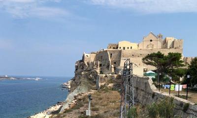 La chiesa di Santa Maria a Mare alle isole Tremiti.