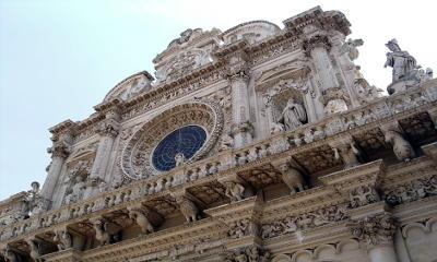 Il barocco leccese della chiesa di Santa Croce a Lecce.