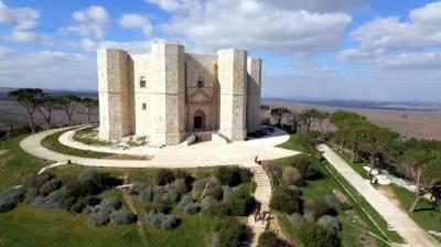 Il castello di Federico II in località Santa Maria del Monte.