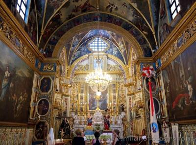 Bellissimo interno della Chiesa della Puritate a Gallipoli, in Puglia.