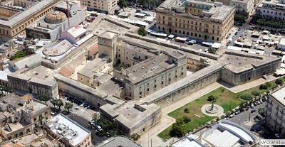 Il castello di Carlo V a Lecce.