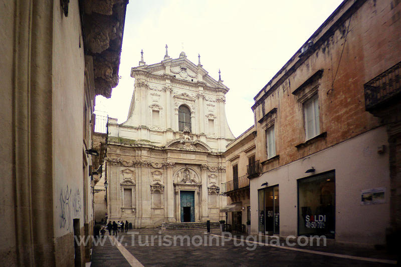 La Chiesa di Sant'Irene a Lecce, sul corso del centro storico.