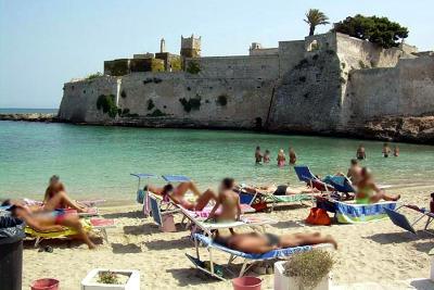 Spiaggia di Porto Ghiacciolo a Monopoli (Bari).